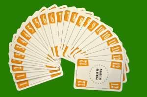 24 gelbe Phase 10 Karten